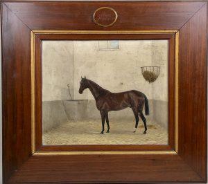 cheval à l'écurie